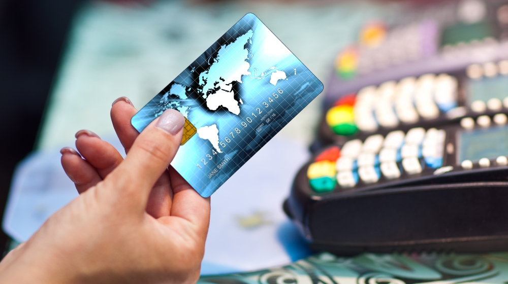 6 Ways To Control Your Expenses Using Credit Cards