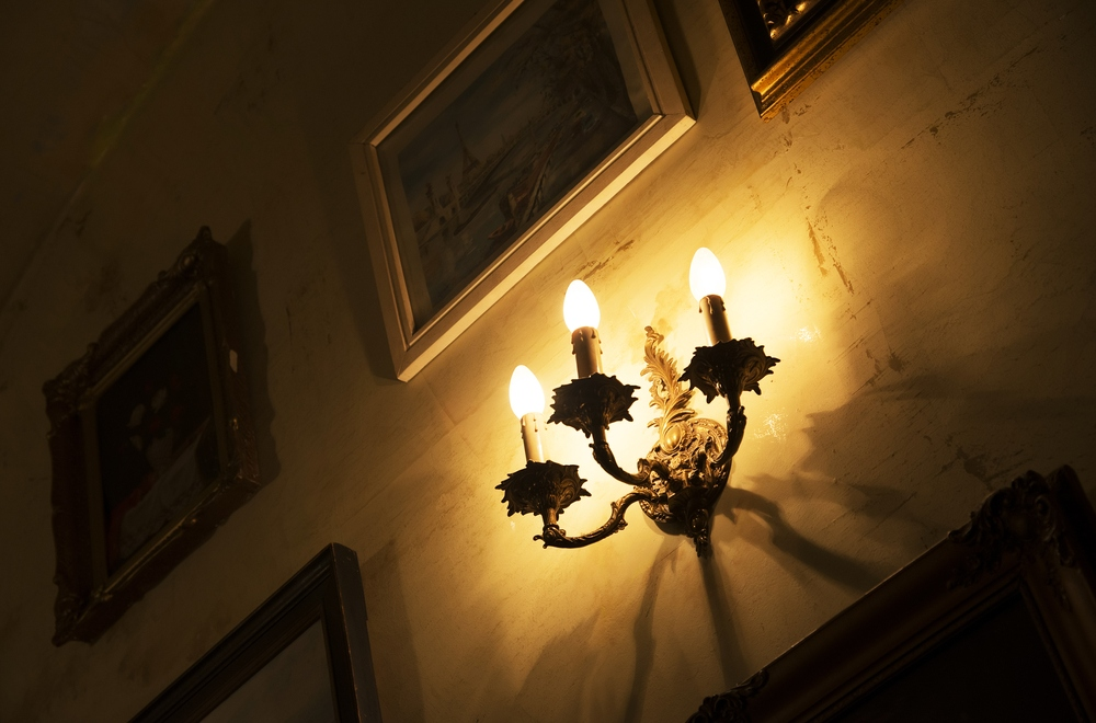 Tips For Choosing The Right Candle Bulb